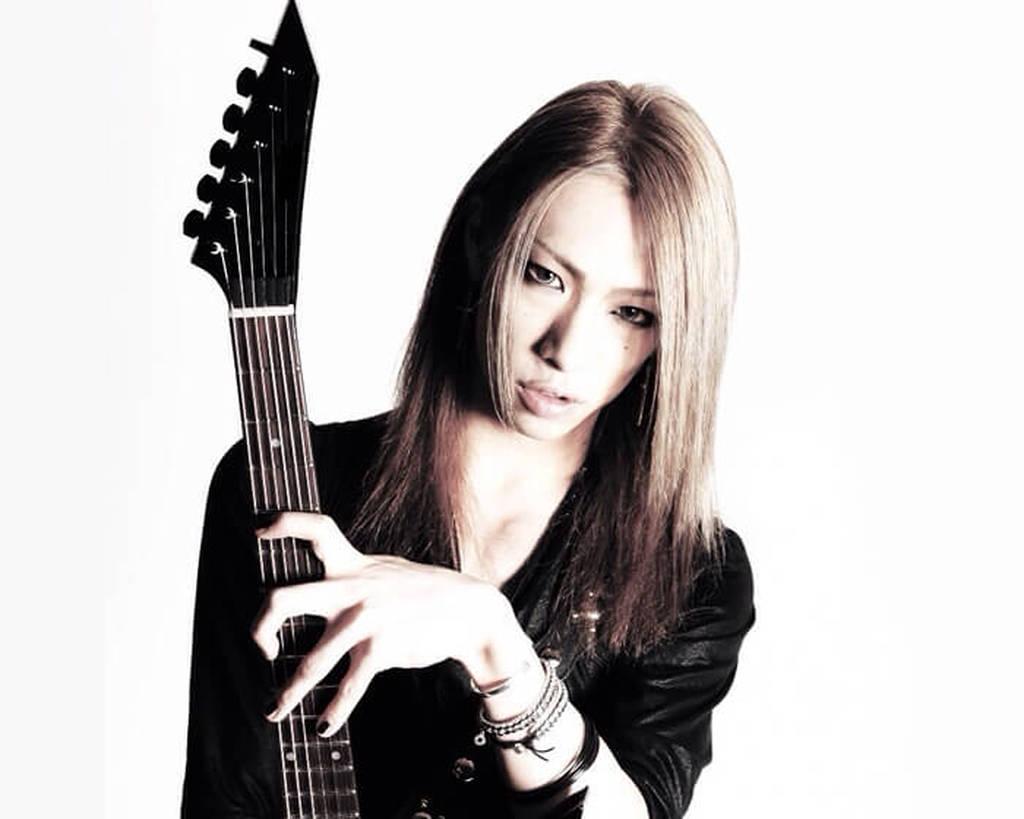 「GYZE」のギター&ヴォーカルを担当するRyoji先生から学ぶ!ギターレッスン!